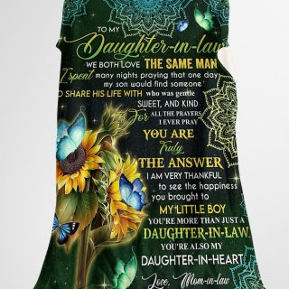 To My Daughter-in-law We Both Love The Same Man- You're Also My Daughter-in-heart Blanket - Wedding Gifts- Best Gifts for Daughter-in-law