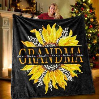Personalized Grandma Fleece Blanket, Grandma Sunflower Blanket, Gift For Grandma, Family Blanket
